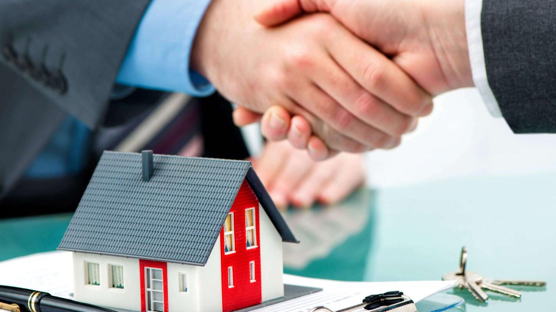 Вложение в недвижимость остается надежным средством сохранения капитала. Иногда помимо сохранения накоплений в недвижимость удается на ней заработать.